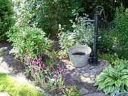 Buntes Treiben im Garten