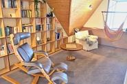 reichhaltiges Bücherangebot für entspannte Stunden