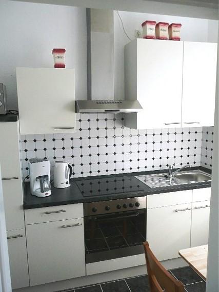 moderne Küche mit Cerankochfeld