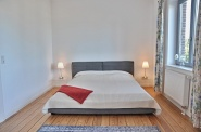 Ein Schlafzimmer mit Blick auf die Förde ...