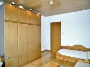 2.Schlafzimmer mit viel Stauraum