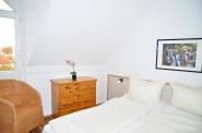 Schlafzimmer No. 1