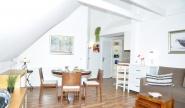 Schönes Wohnzimmer mit