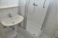 Hell und freundliches Duschbad