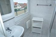 Bad mit kleinem Ostseeblick