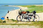 Unendliche Radwege am Strand