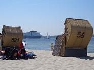 Beobachten Sie die vorbeiziehenden Schiffe
