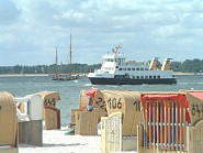 Der Fördedampfer verbindet Laboe mit Kiel auf dem Wasserweg.