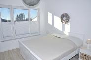 Erstes Schlafzimmer ...