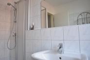 mit Dusche/ WC